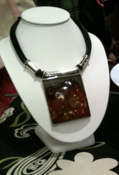 Leather_rope_polish_amber_necklace_with_sterling_silver_toggle_clasp_9651f08e