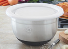 New_10_qt._mixing_bowl_with_cover