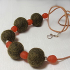Wool_necklace_green_orange_13_gs